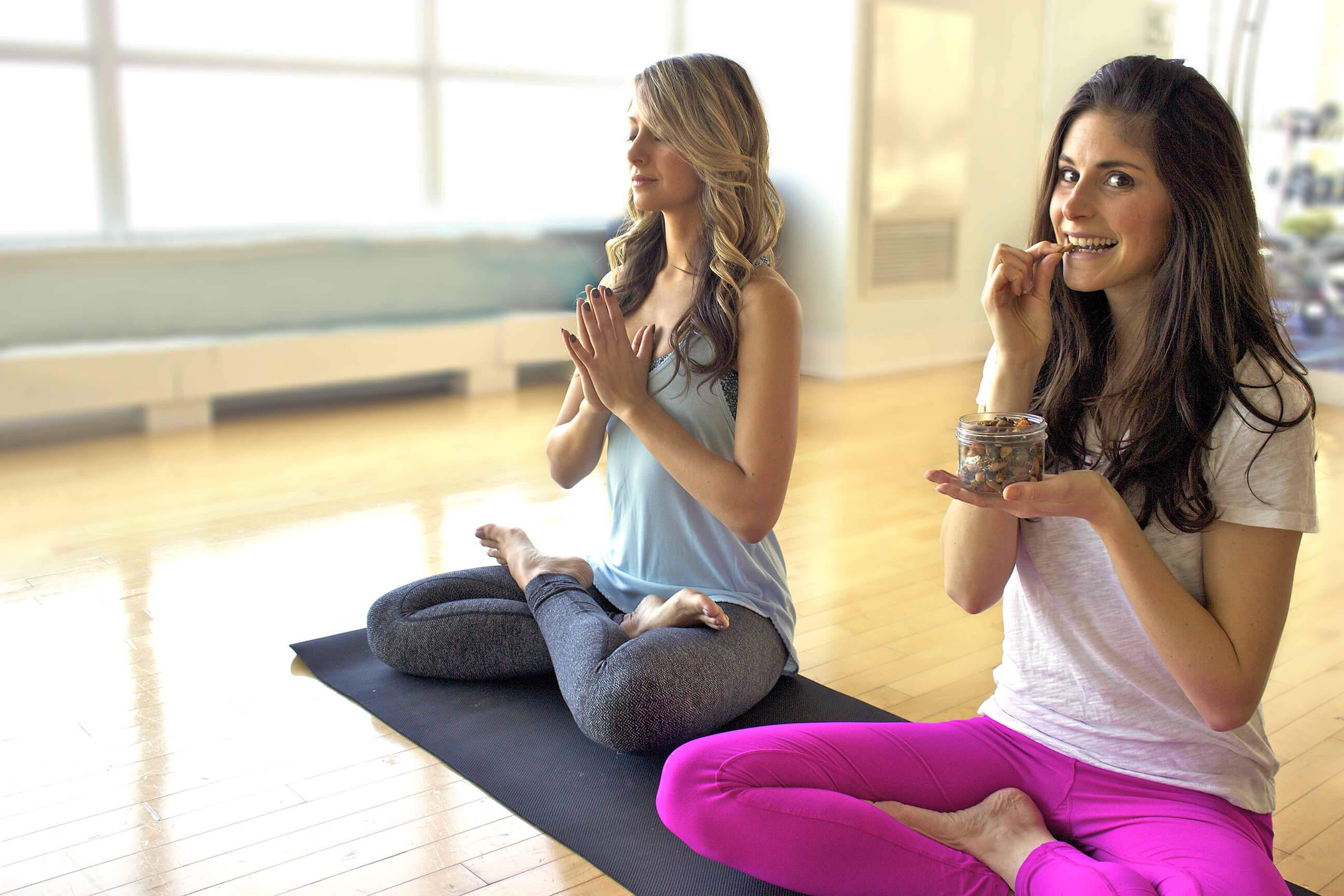 O papel da alimentação na prática do Yoga